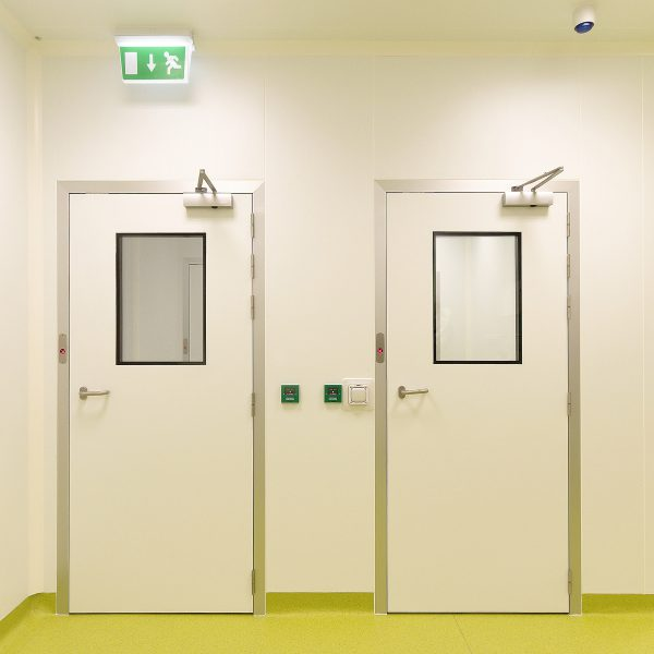 Flush Cleanroom Door 600x600