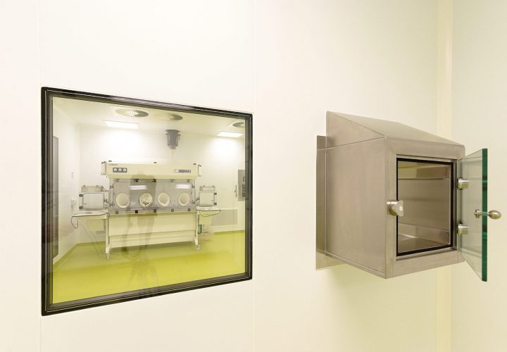 Cleanroom at School of Pharmacy University College Cork